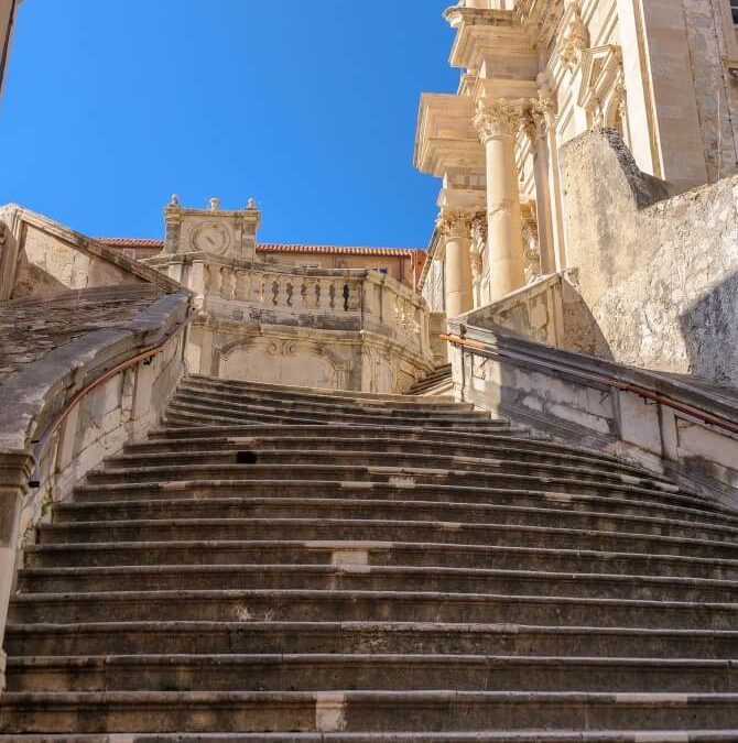 Tourists' silly questions on Game of Thrones Dubrovnik tour
