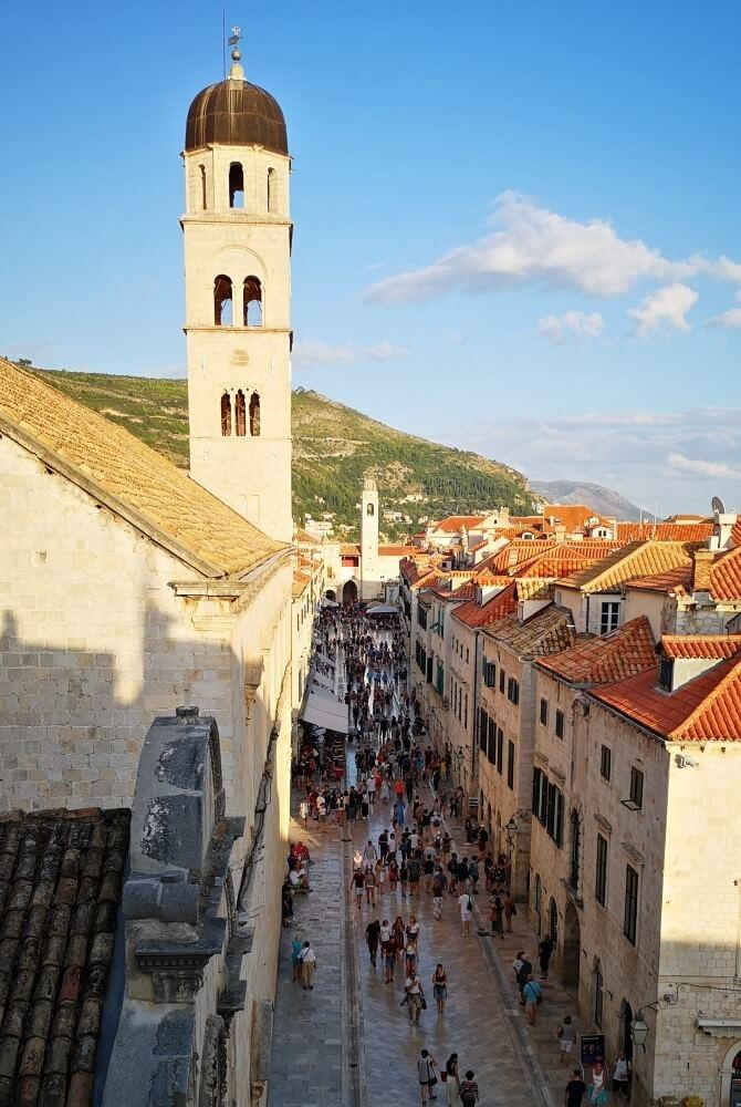 Modern pilgrimage - Walk with Vesna
